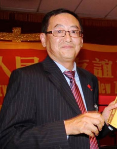 新中友好协会荣誉主席Simon邓里先生