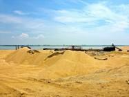 在福建省,Fujiang Jiulongjiangkou红树省级保护区的开采沙石