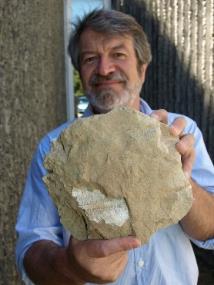 "Dr Hamish Campbell ""我终究是一名古生物学家"""